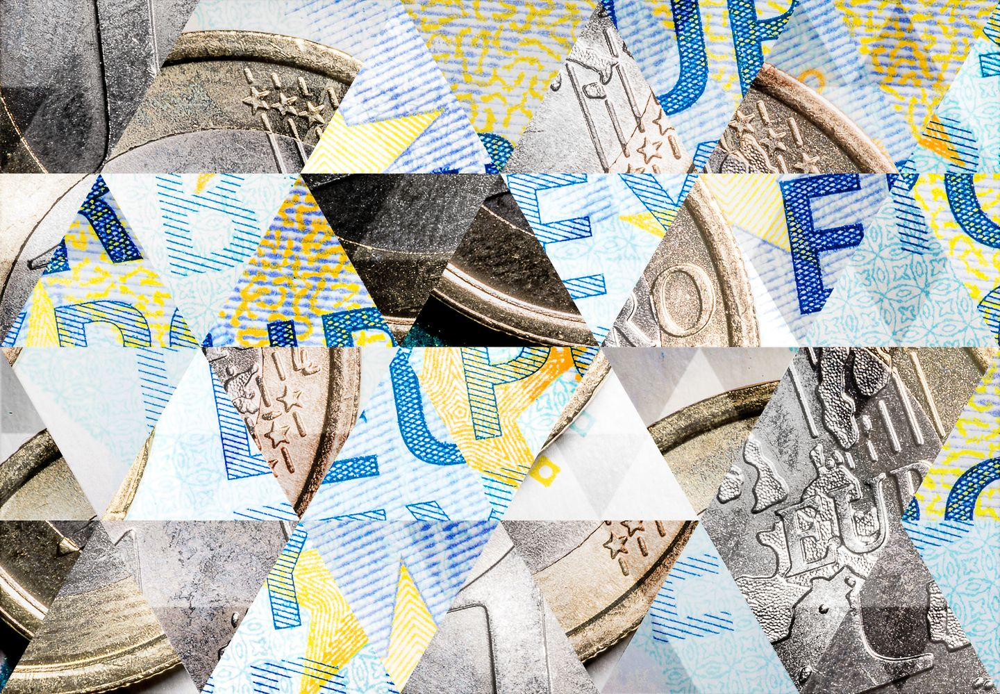A collage of triangles shows in its facets parts of Euro coins and Euro bills. Photo: © ilbusca/ iStock/Getty Images Plus